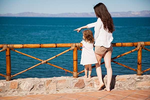мать с дочкой