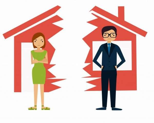 нарисованные женщина и мужчина, разорванный на части искусственный дома на фоне