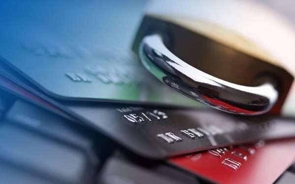 Наложение ареста на счета должника судебными приставами