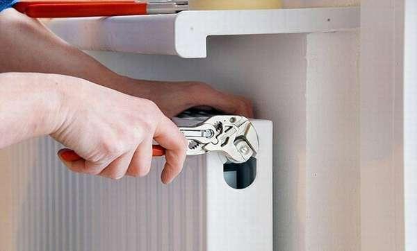 Замена батареи отопления в квартире