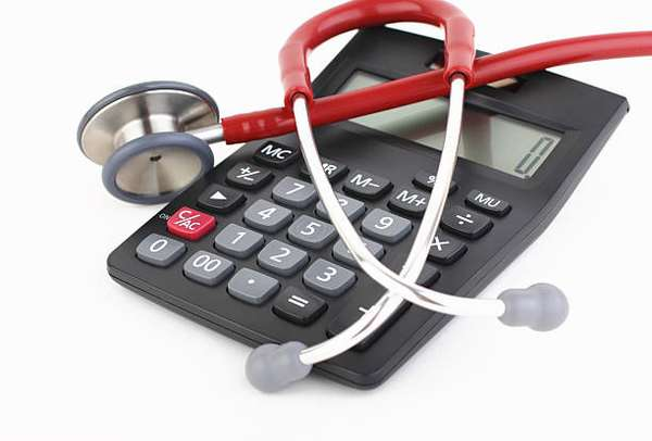 Как заполнить 3 НДФЛ на налоговый вычет за лечение